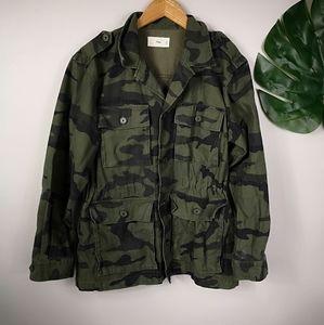 ☀️Host pick ☀️Aritzia TNA camo utility jacket